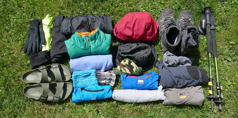 Packliste-Fernwandern-Kleidung-Wanderzeug