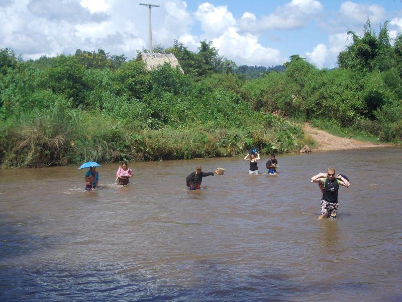 Laos-Gibbon-Experience-Dorf-Fluss