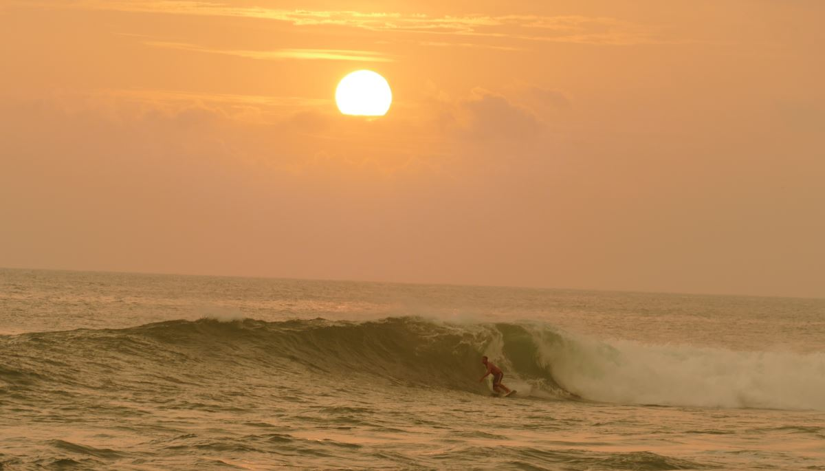 Sri Lanka-Surf-Sunset_1200